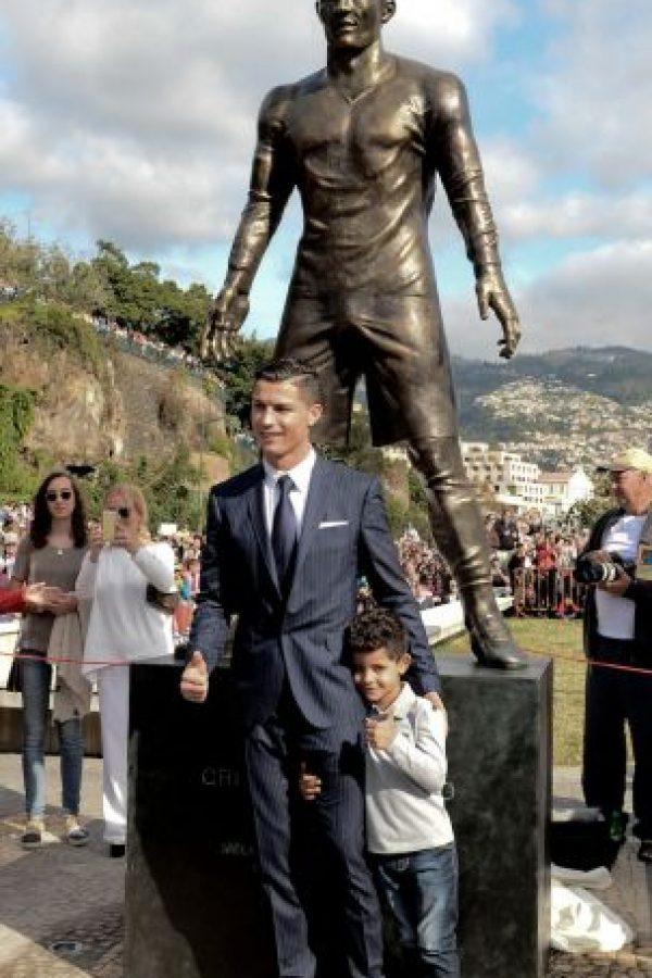 La hicieron en Madeira su tierra natal, allá en Portugal Foto:AFP