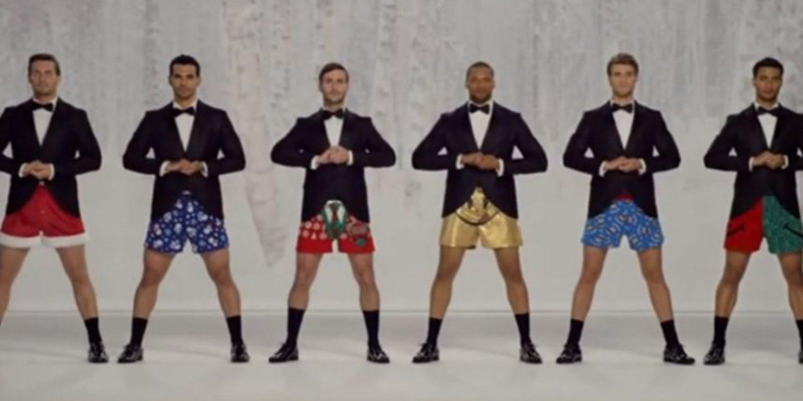 """3. """"Divertido baile de Navidad"""" Foto:Vía Youtube"""