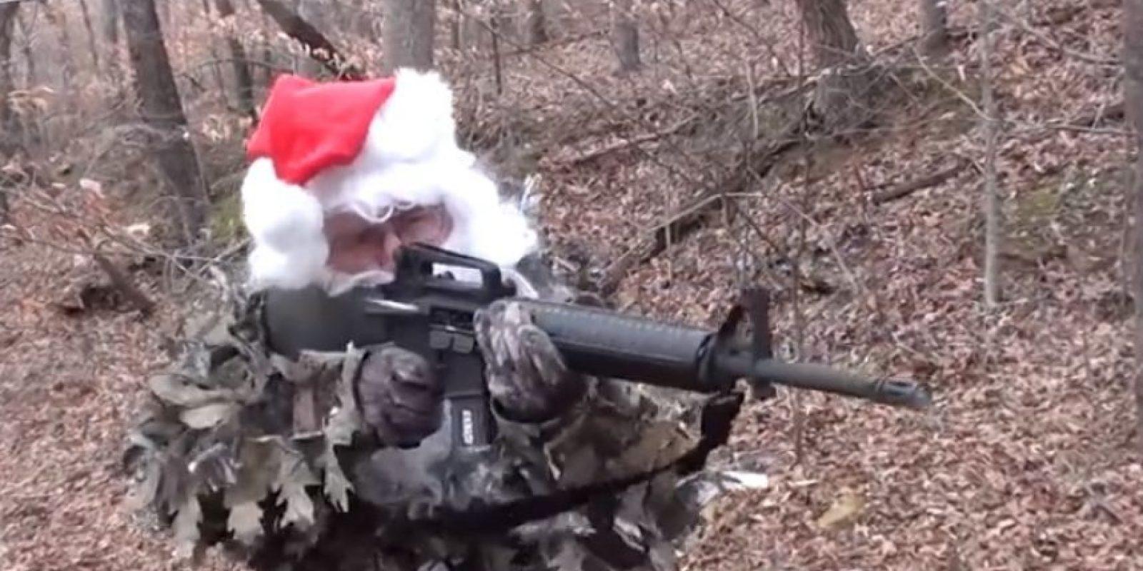 """""""Santa Claus apoya la segunda enmienda"""" Foto:Vía Youtube"""
