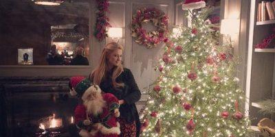 No han faltado las fotos junto al árbol de Navidad Foto:Instagram @parishilton