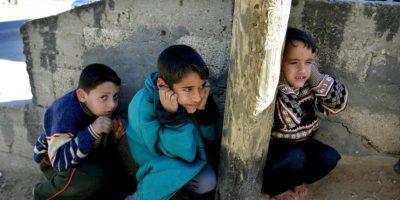 VIDEO: Soldados de Israel dan de comer a niños de Palestina