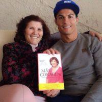 Cristiano y su mamá. Foto:instagram.com/cristiano