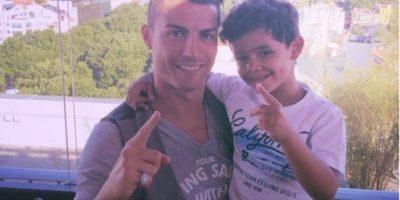 Cristiano es feliz junto a su pequeño. Foto:instagram.com/cristiano