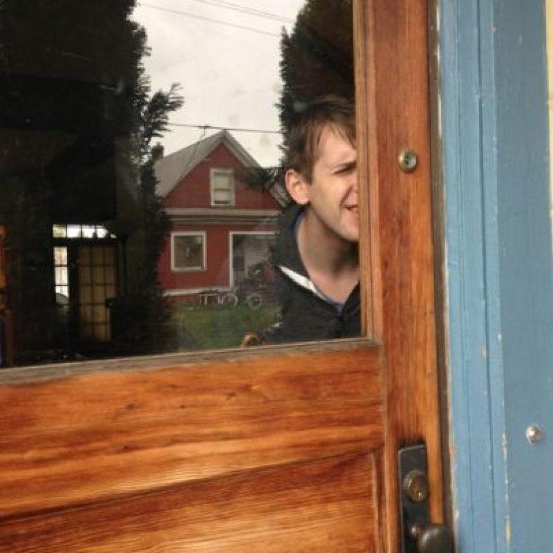 La mirilla en la puerta Foto:recreviral
