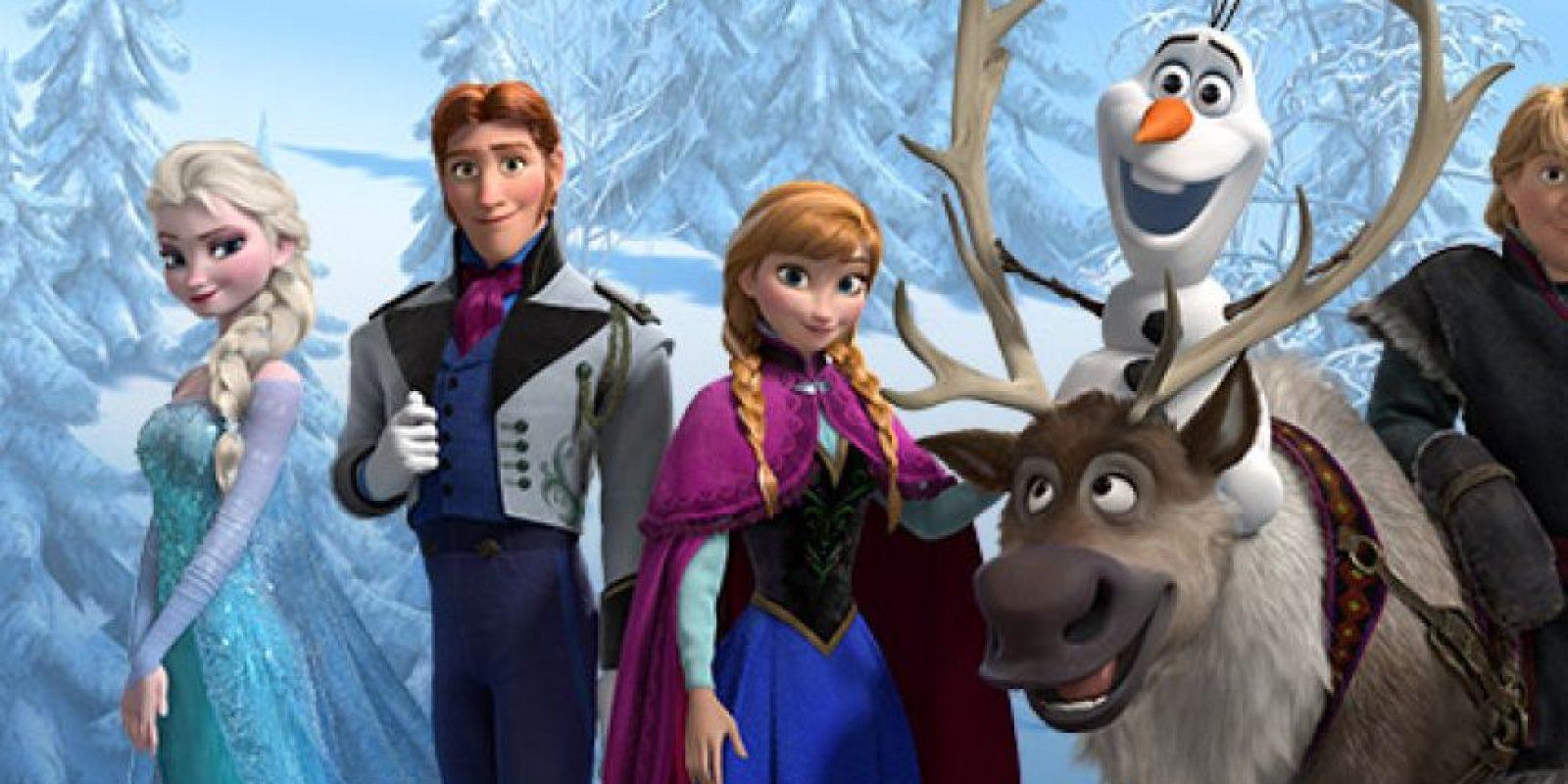 """Los personajes Hans, Kristoff, Anna y Sven llevan ese nombre en honor a Hans Christian Andersen, escritor danés autor de los cuentos """"Patito feo"""" y """"La sirenita"""". (Al nombrar los nombres de estos cuatro personajes juntos parece que se pronuncia el nombre del escritor). Foto:Facebook/Frozen"""