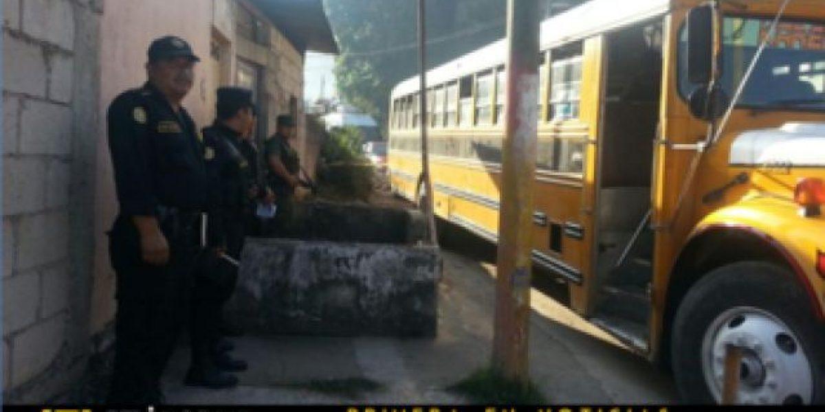 Ultiman a supuesto delincuente en bus que pretendía saltar