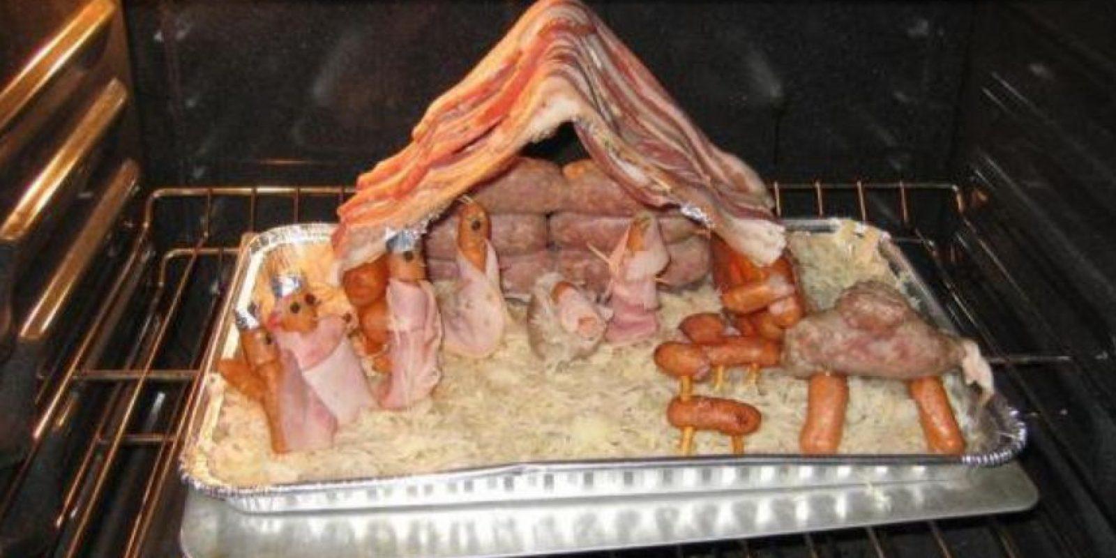Las salchichas celebran el nacimiento de Jesús. Foto:Reddit