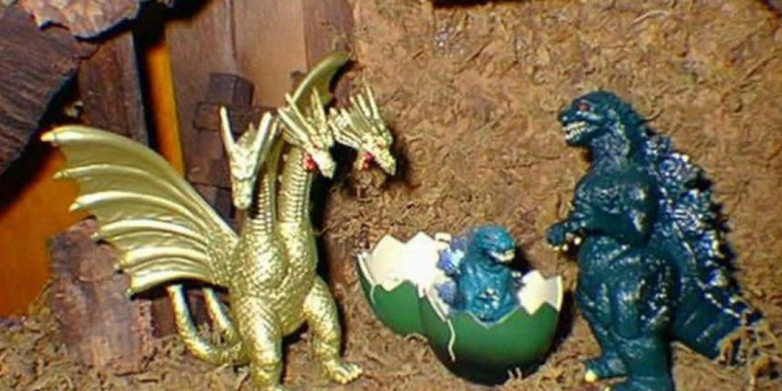 Jesús es ahora un bebé Godzilla Foto:Imgur