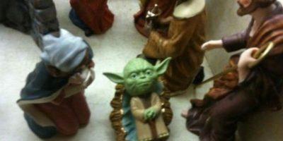 Yoda también merece su nacimiento. Foto:Reddit