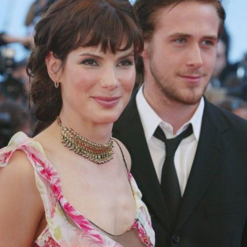 En 2002, Bullock mantuvo una relación de un año con Ryan Goslin. La actriz es 16 años mayor que él. Foto:Getty Images