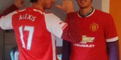 FOTO: Famoso tenista recibió de regalo camiseta de Alexis Sánchez