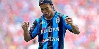 Ronaldinho llegó a los Gallos Blancos de Querétaro de México Foto:Facebook