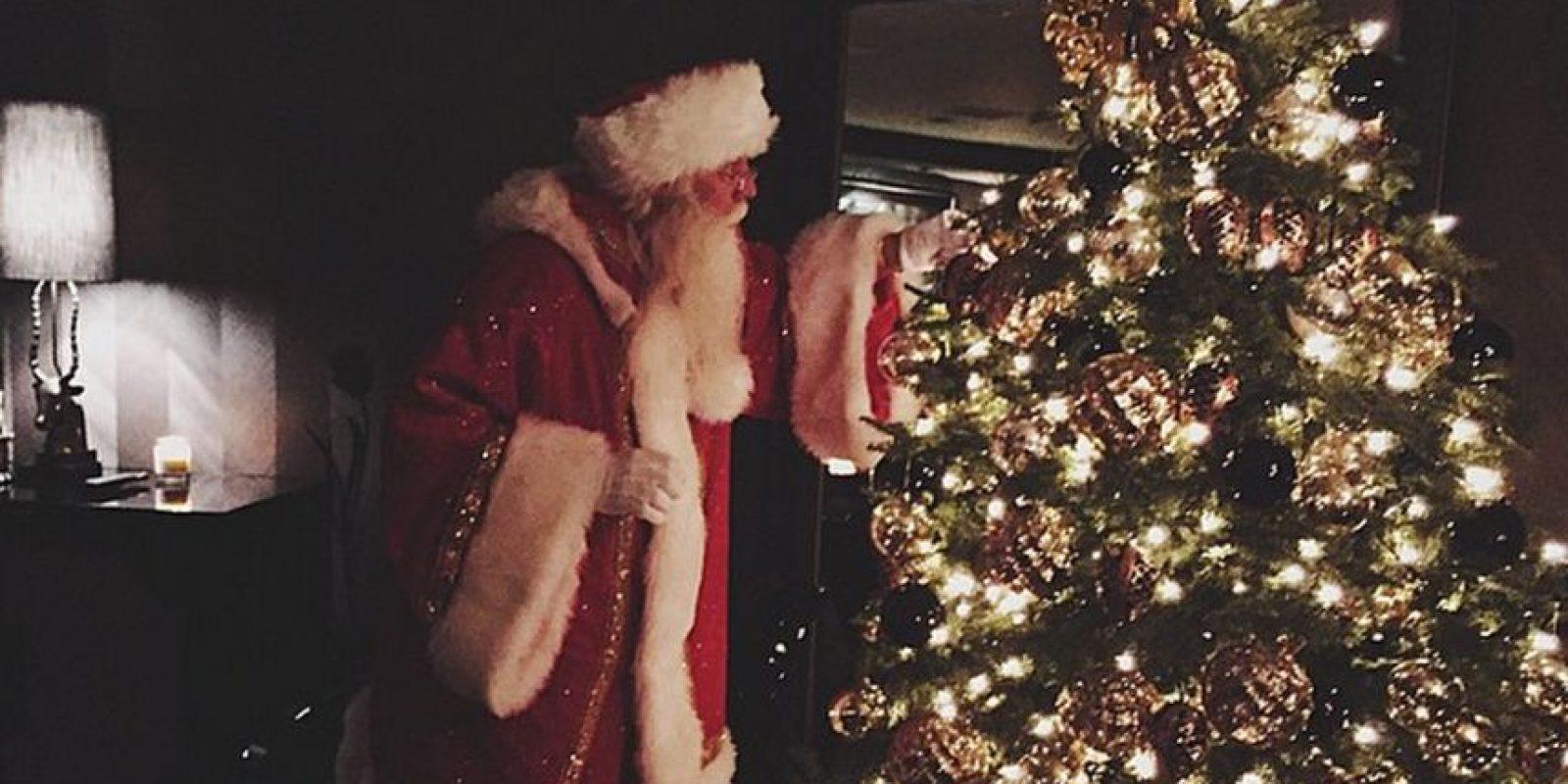 Santa Claus llegó a la mansión Kardashian Foto:Instagram