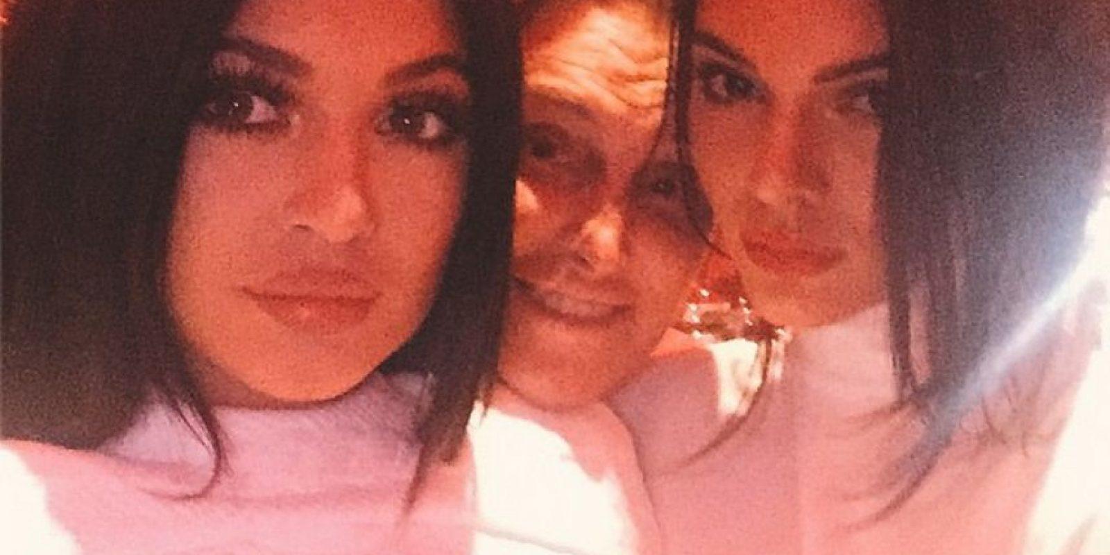 Kylie y Kendall Jenner con su papá Bruce Jenner Foto:Instagram