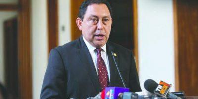 López Bonilla asegura que en su gestión han detenido a más de mil PNC