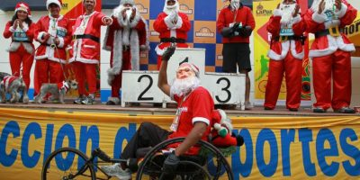 FOTOS. Papá Noeles tomaron las calles de La Paz en Bolivia