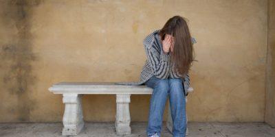 Adolescente anuncia suicidio en Facebook por supuesta decepción amorosa