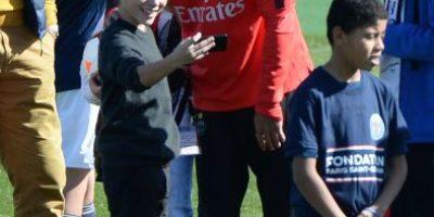 FOTOS: Los divertidos selfies de David Luiz con los hinchas del PSG