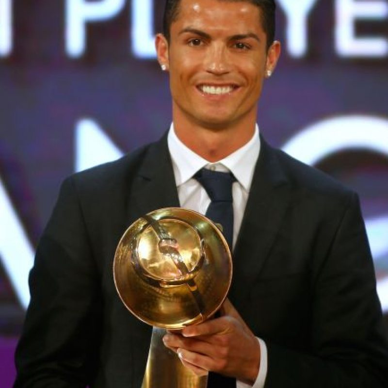 CR7 fue nombrado el mejor jugador del mundo de 2014. Foto:AFP