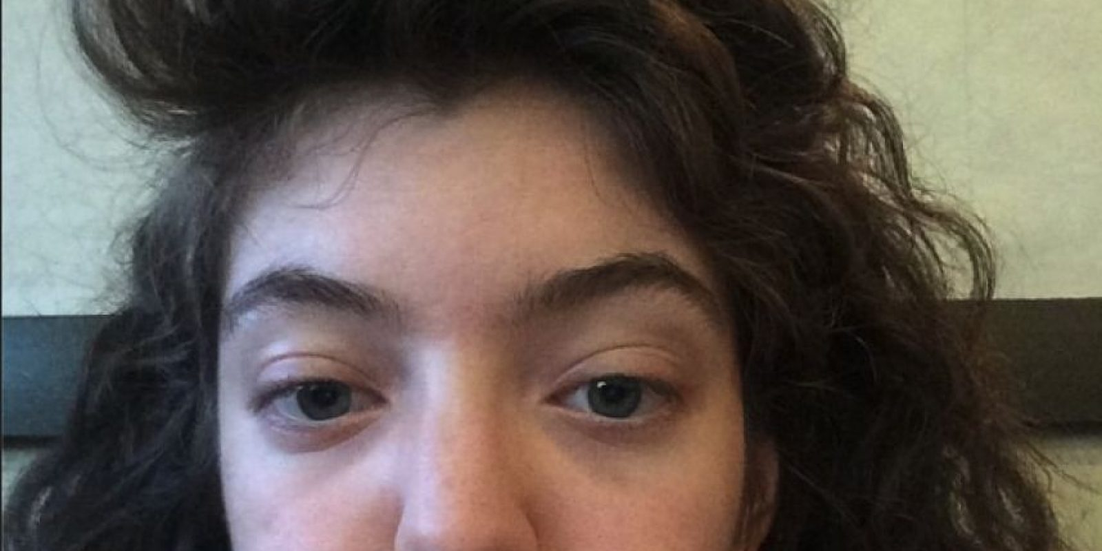 No teme mostrar su rostro sin maquillaje Foto:Instagram/Lorde