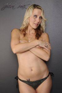 Luego de tales acusaciones, Pink mencionó al diario Mirror: Foto:Vía Facebook.com/Julia.blond