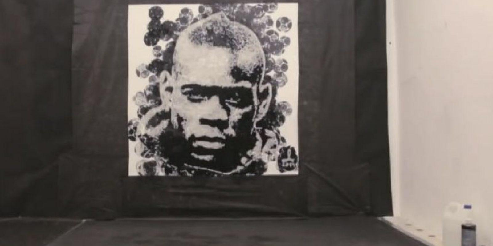 El polaco Andrzej Lenard realizó una obra de arte Foto:Youtube: Copa90