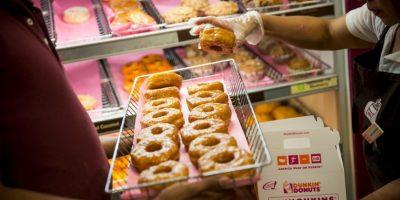 Todo lo que contenga grasas saturadas obstruye las arterias y puede lograr hacernos sentir pesados y de mal humor. Foto:Getty Images