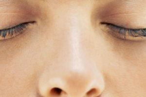 19. Limpia una fosa nasal a la vez. El doctor Owen Hendley especialista en enfermedades infecciosas de la Universidad Estatal de Virginia en Estados Unidos recomienda que para evitar infecciones en el estómago debemos limpiar una fosa nasal a la vez. Foto:Getty Images