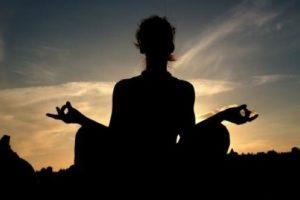 8. Contar hasta siete mientras respiran. La neurocientífica Sara Lazar menciona que dicha concentración lograda al realizar esta meditación puede aumentar la materia gris en el cerebro. Foto:Getty Images
