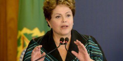 Rousseff inicia nuevo gobierno en Brasil acosada por la corrupción