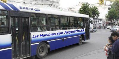 Éstos son los mensajes en los autobuses. Foto:Publinews