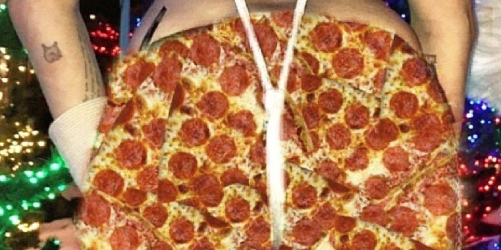 Unos pantalones de pizza Foto:Instagram/Miley Cyrus