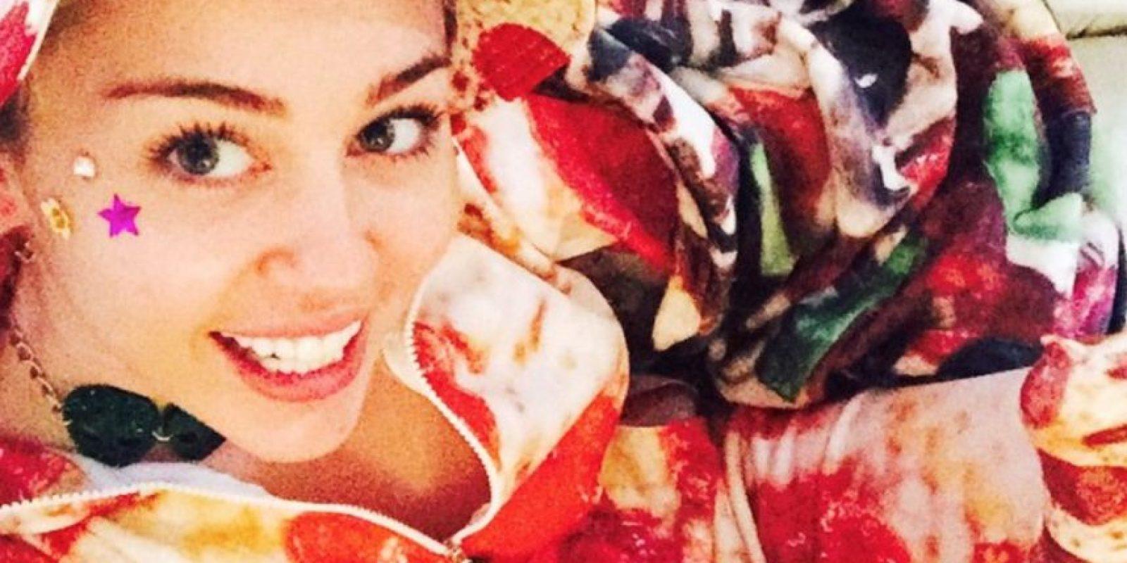 Otro sueño hecho realidad, un traje de pizza. Foto:Instagram/Miley Cyrus