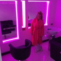 El salón de belleza exclusivo para Billi. Foto:instagram.com/billimucklow