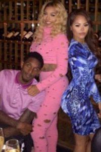 Con sus dos novias Foto:Instagram: @louwillville