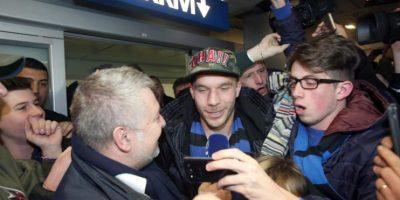 Podolski aterriza en Milán