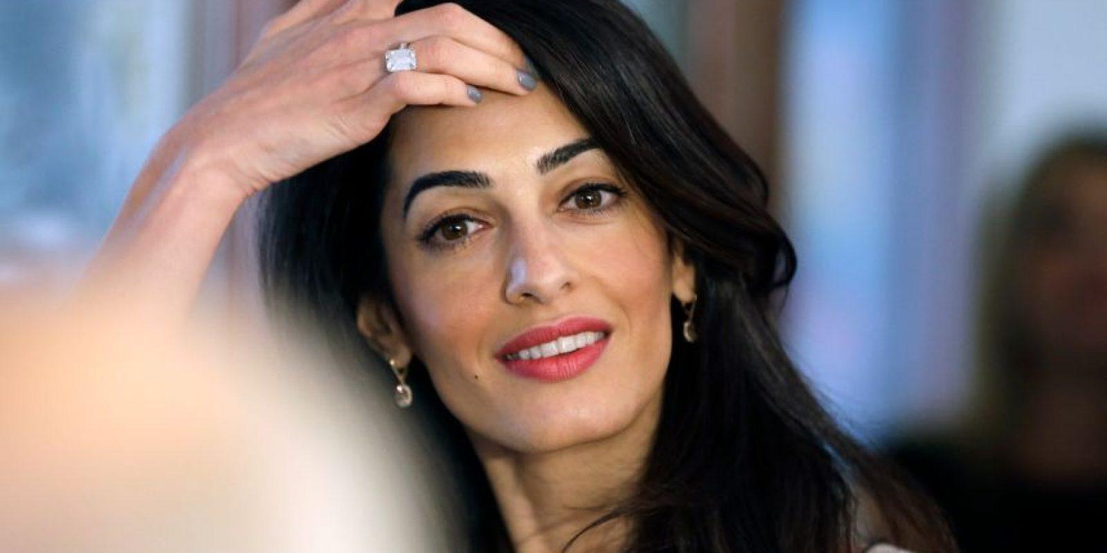 """La presentadora Bárbara Walters reconoció a la esposa de George Clooney como """"La mujer más fascinante del año"""". Foto:Getty Images"""