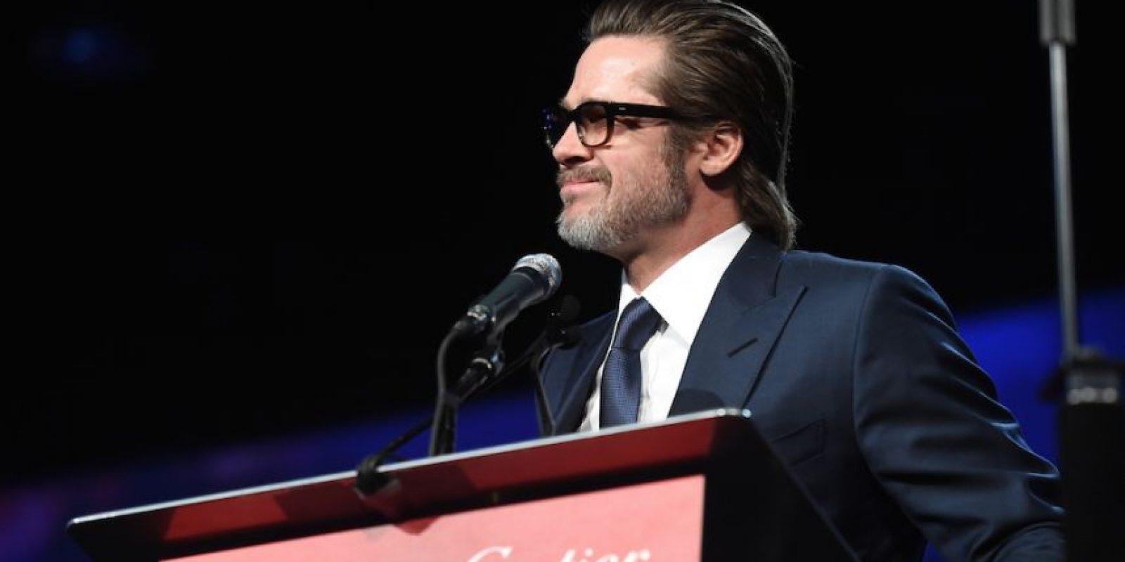 Pitt también mostró lo que parecen ser canas en su barba. Foto:Getty Images