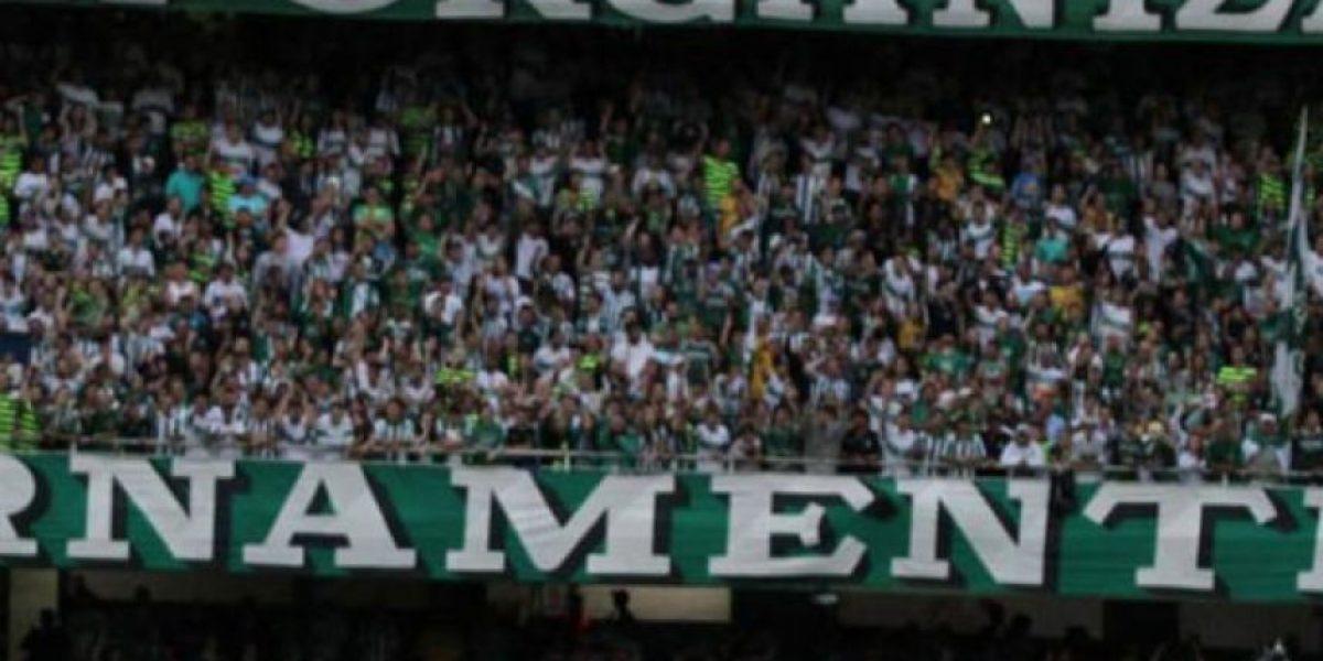 Equipo brasileño celebra la derrota del Real Madrid