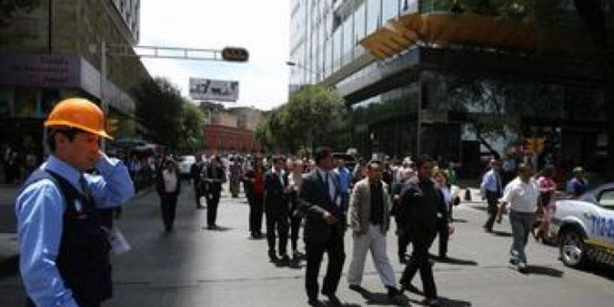 Evacuan a 250 personas por fuga de petróleo en México