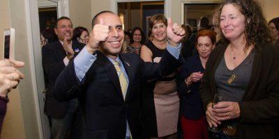 Hijo de inmigrantes guatemaltecos asume como alcalde de Providence