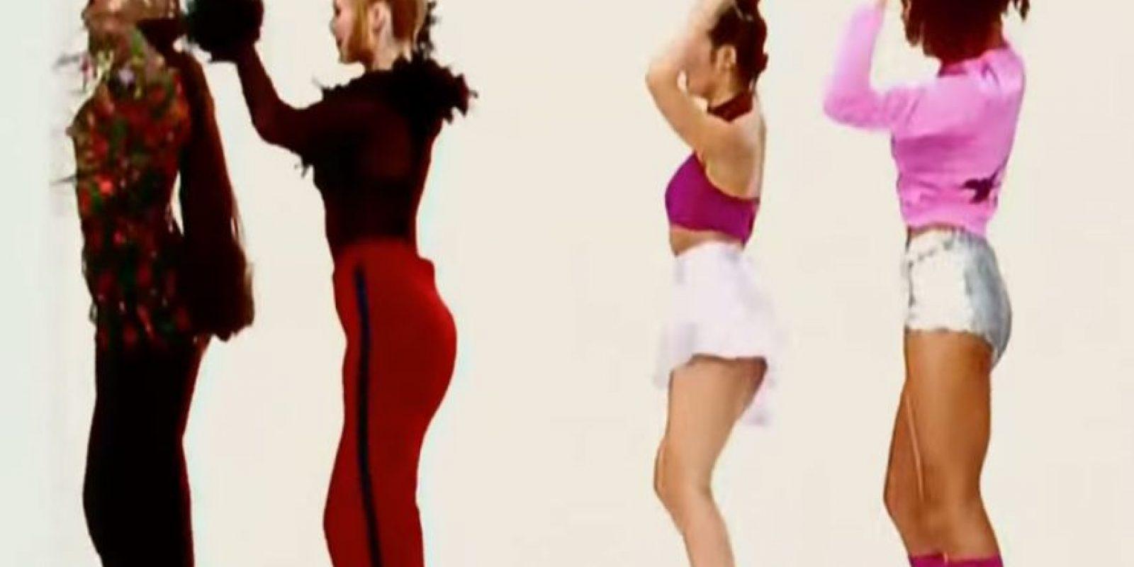 """17. """"La Macarena"""" fue escrita cuando el dúo musical """"Los Del Río"""" Foto:YouTube Music☆STSPb"""