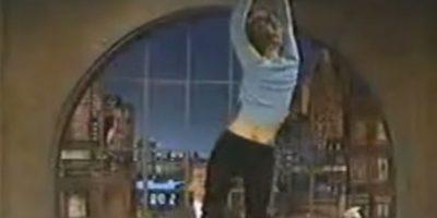 Drew Barrymore bailando sobre la mesa para David Letterman Foto:YouTube Yaxez
