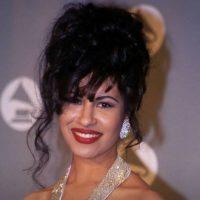18. En marzo de 1995, Selena fue asesinada por la presidenta de su club de fans, Yolanda Saldívar. Foto:Facebook Selena