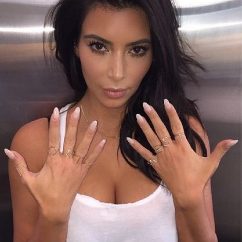 Ha lanzado múltiples fragancias y accesorios Foto:Instagram @kimkardashian