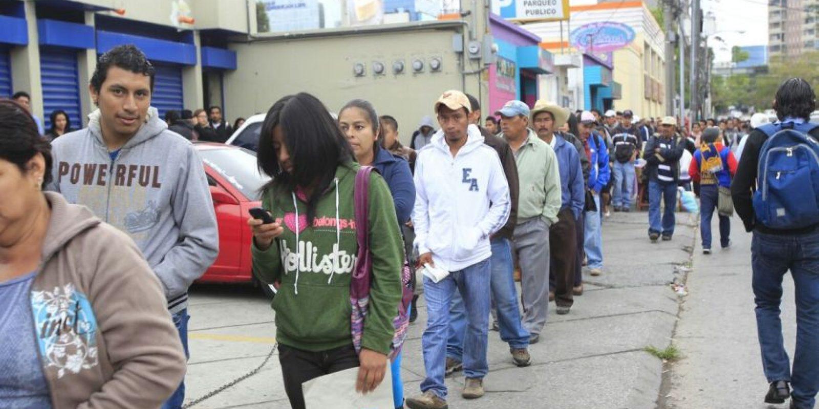 Desde las 8 horas las filas son extensas. Foto:Publinews