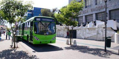 Madres que viajan con menores de 3 años ingresan gratis al Transmetro