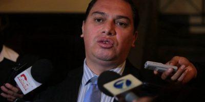 Ministro de Salud anuncia diez destituciones en hospitales y áreas de salud