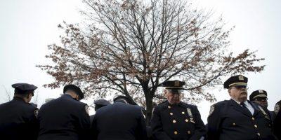 Alcalde de Nueva York califica de irrespetuosos a policías que le dieron la espalda