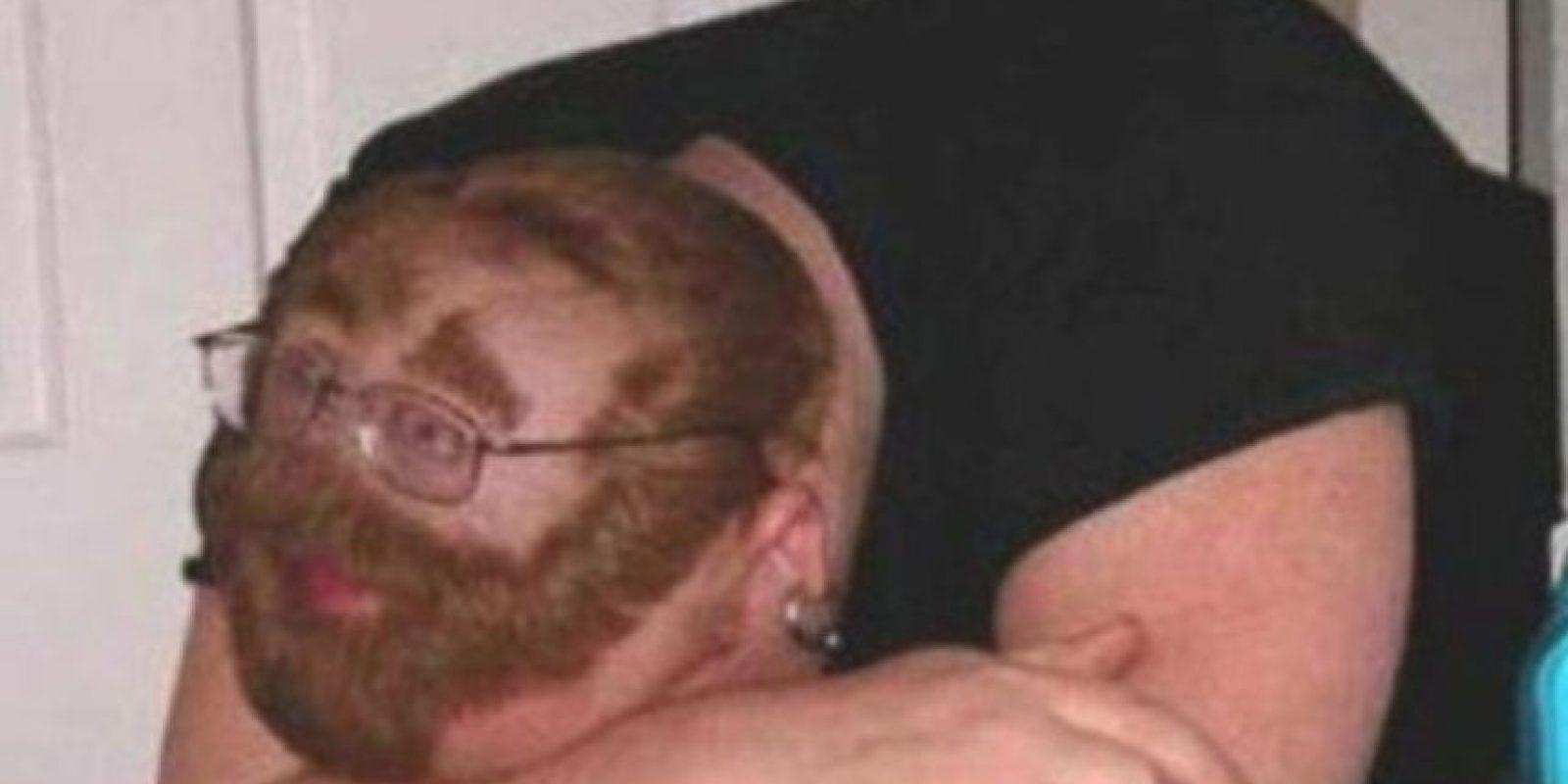 Esto pasa si uno se duerme y se queda borracho. Foto:EmbarrassingNightClubPhotos